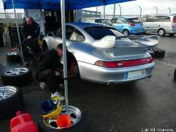 La Team Eeckhout prépare les autos de ses clients